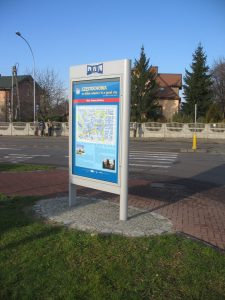 Gablota informacyjna z planem miasta w Częstochowie